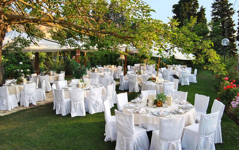 Allestimento tavolo buffet matrimonio mr33 regardsdefemmes for Allestimento giardino